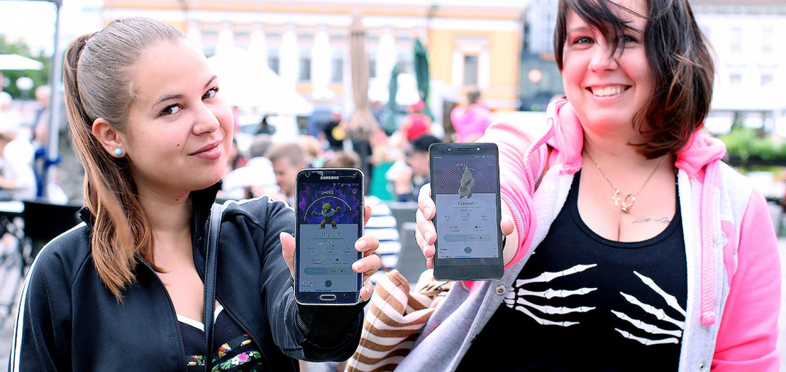 Pokémon Go -pelaajat Kauppatorilla