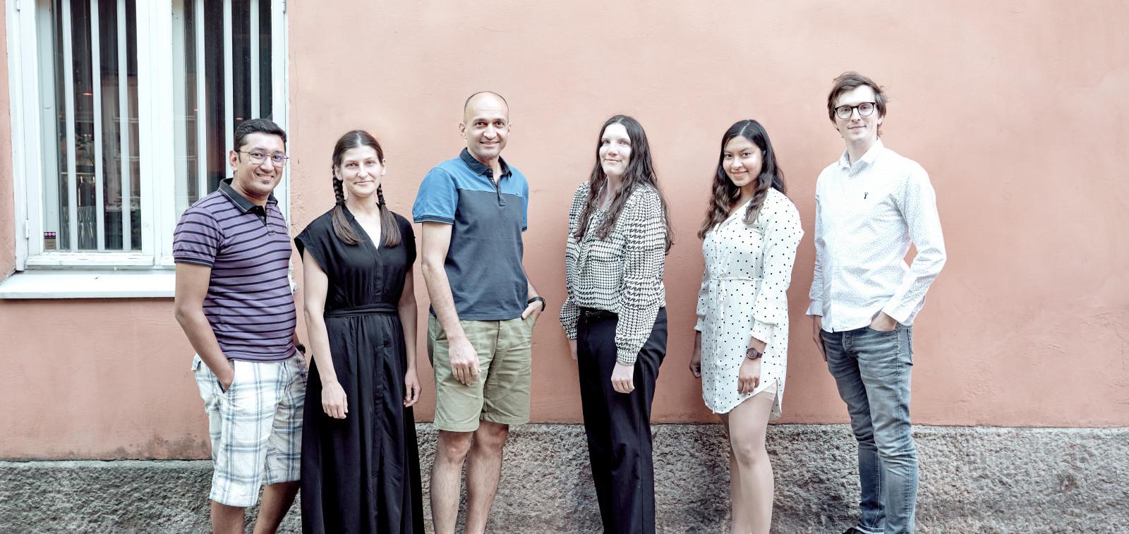 Talentedbynature talent ambassadors - 6 kampanjan lähettilästä seisomassa.