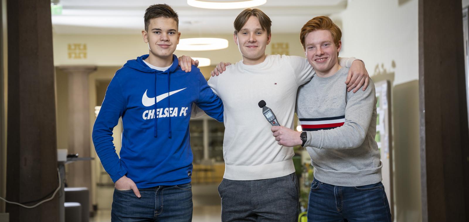 Beyond 2030-tiedekisan ensimmäiset voittajat Niklas Ahtee, Eetu Haatainen ja Elmeri Juuti