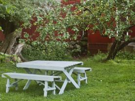Kuralan Kylämäen puutarhassa