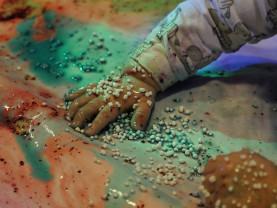 Vauvojen värikylpy Seikkailupuistossa