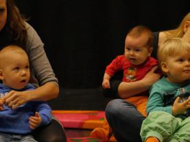 Seikkailupuiston perhemuskareihin voi osallistua koko perheen voimin.