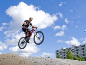 Pyöräilyä Kupittaalla